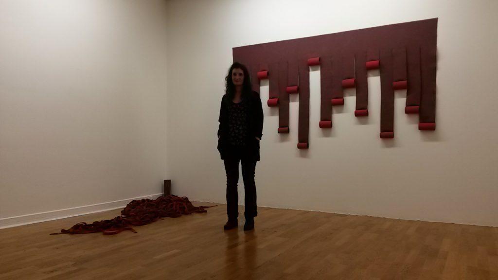 Vanessa Di Cianni devant ses compositions@ArtInVar