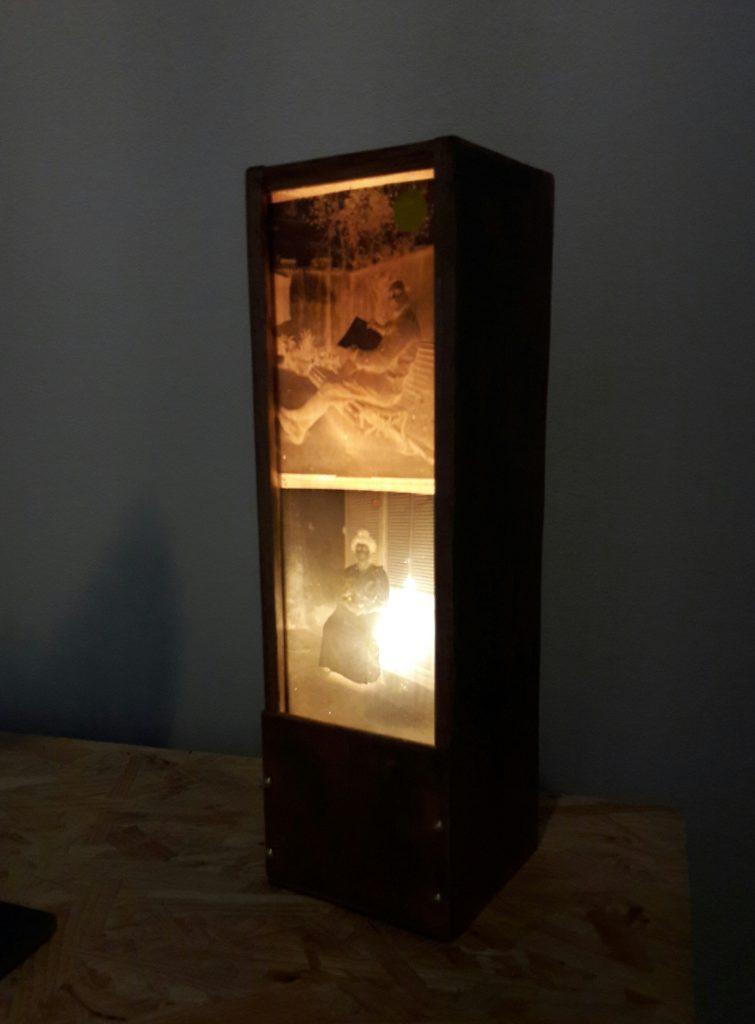 Les lampes en négatif de Martine Ilido